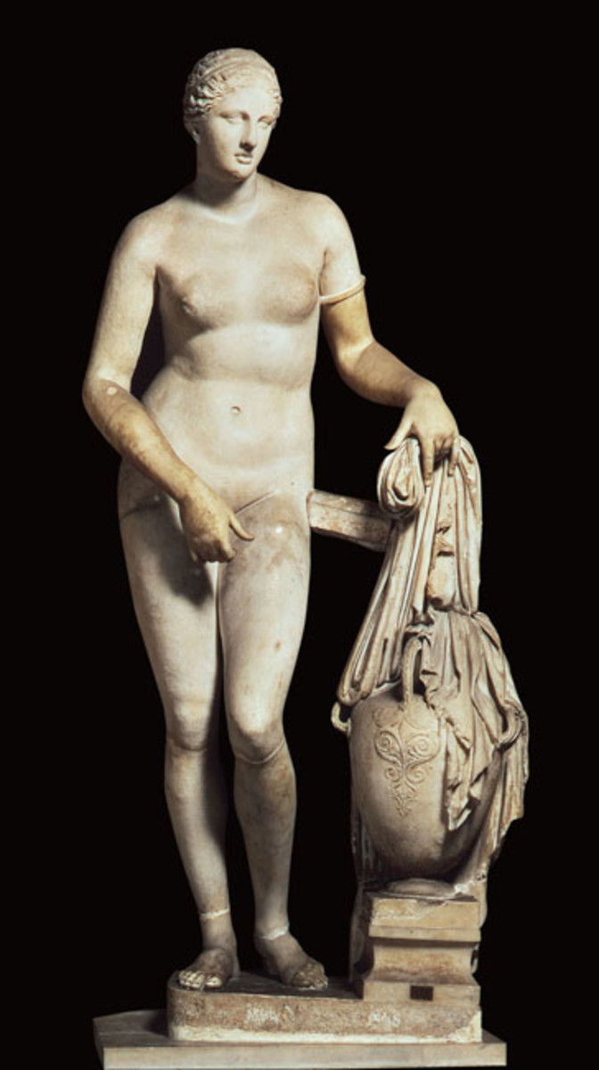 Art History Formal Analysis: Aphrodite of Knidos vs. Venus de Milo