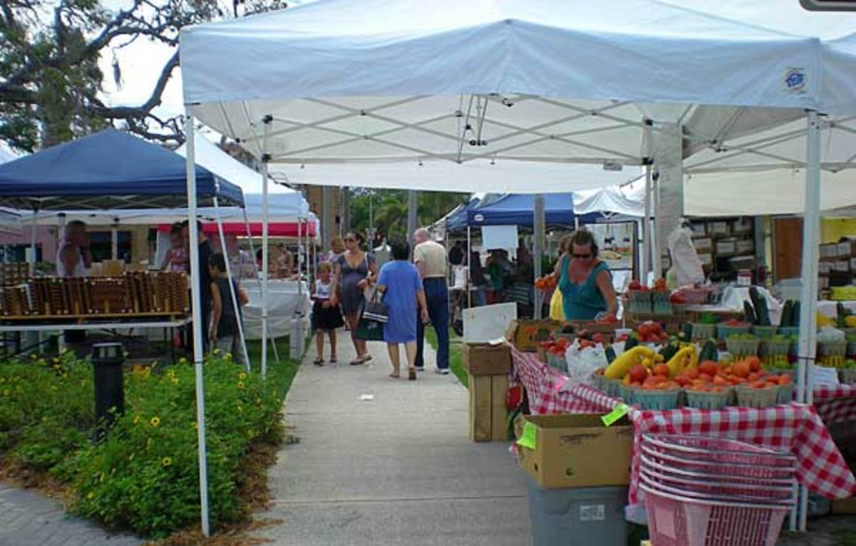 Eau Gallie Farmer's Market in the Eau Gallie Arts District