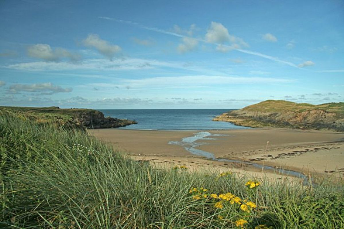 Cable Bay near Aberffraw - an ideal landing beach for the Norsemen's ships, and suitable for a camp from which to forage inland