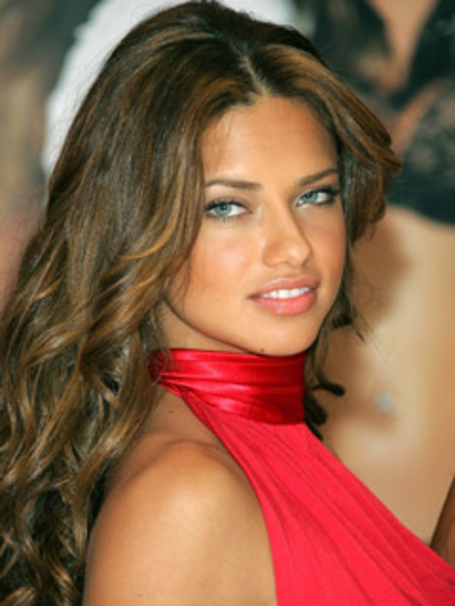 Makeup for Tan Skin, Brown Hair, and Blue Eyes. Supermodel Adriana ...