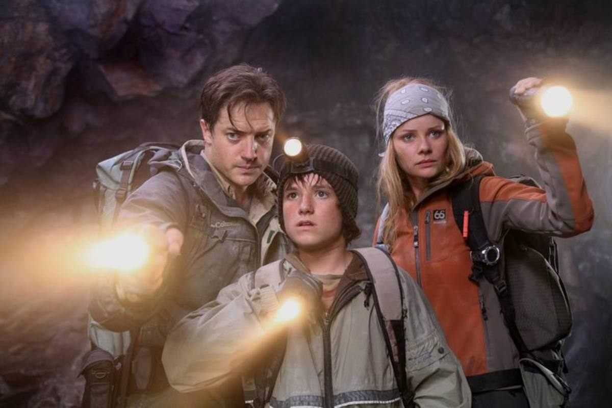 Brendan Fraser, Josh Hutcherson, Anita Briem in Journey to the Center of the Earth (2008)