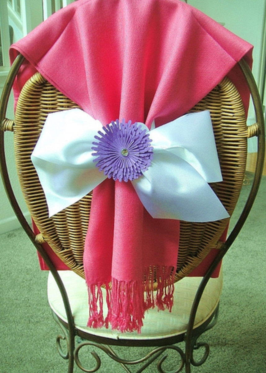 Pashmina shawls make extravagant wedding favors that will be remembered for a long. long time.