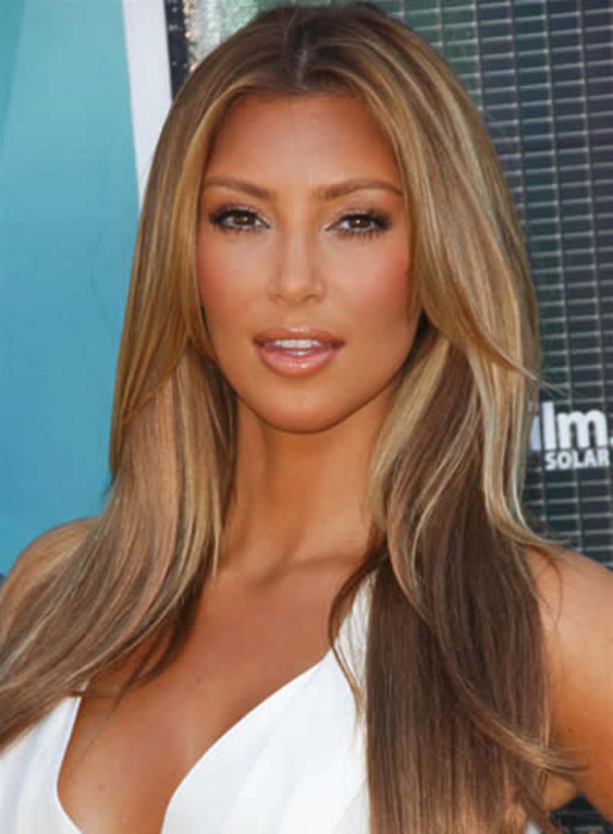 Kim Kardashian blonde weave?