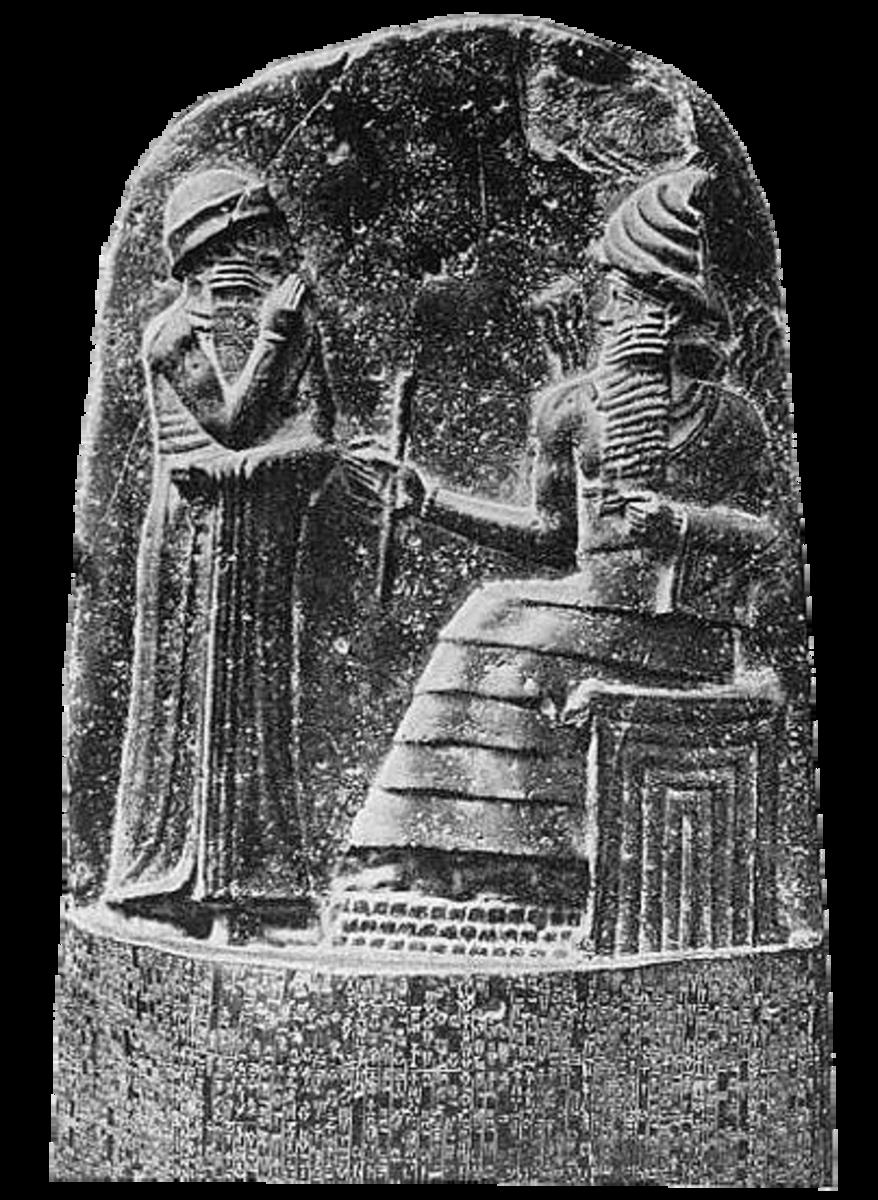 Hammurabi (standing)