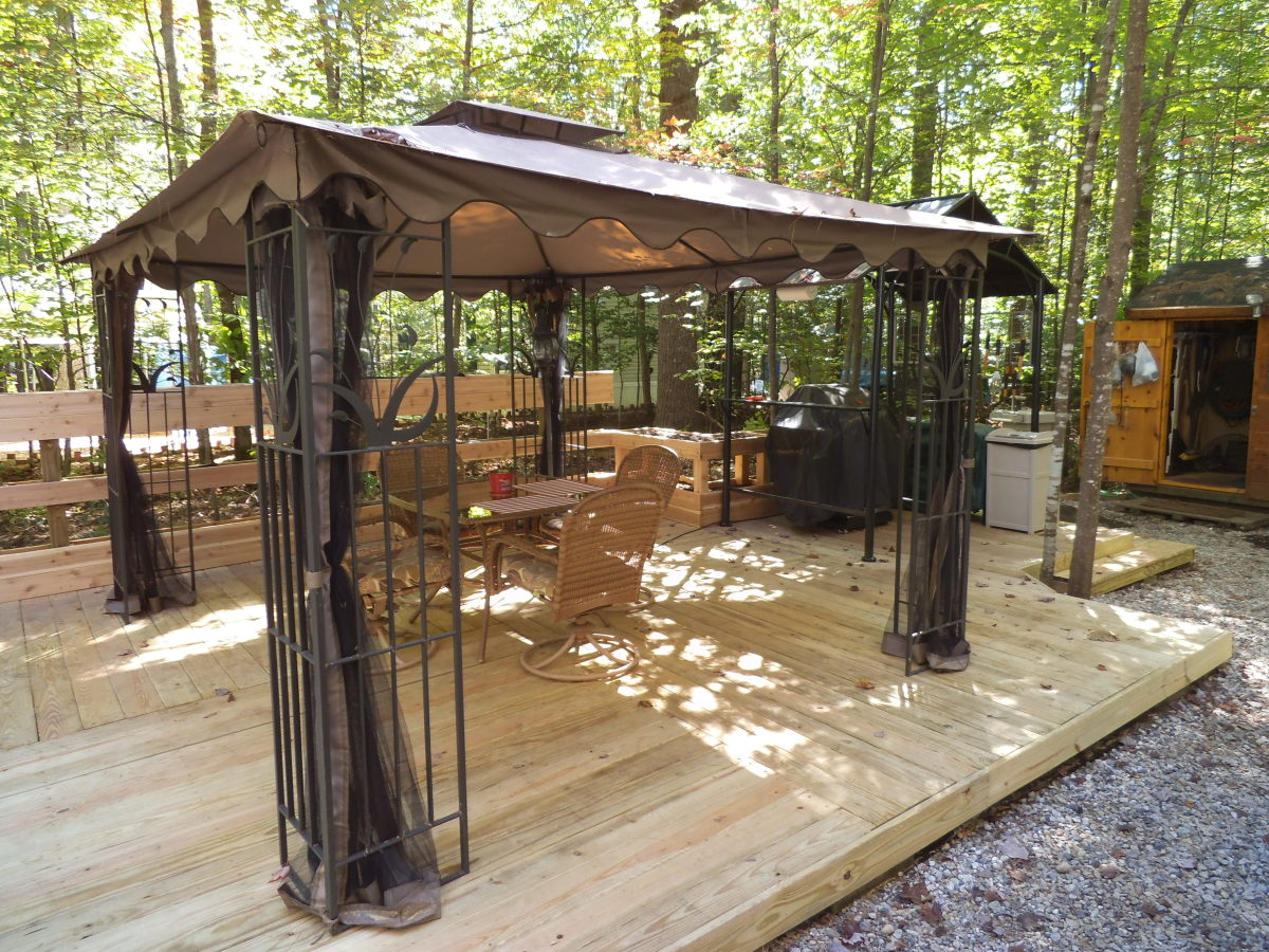 Here's the dining part of the deck. You can see the grill off to the right.