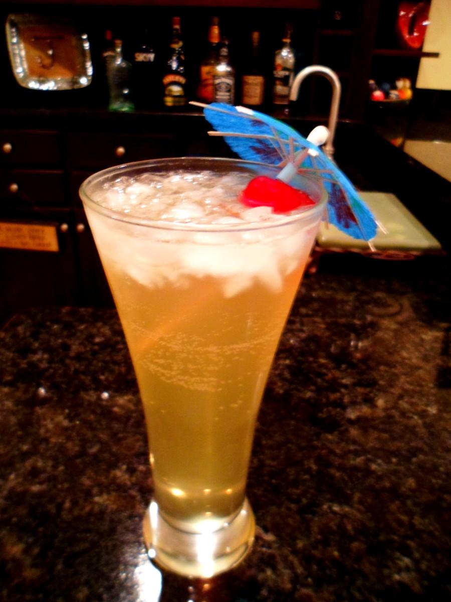 Serve tasty Lynchburg Lemonade cocktails.