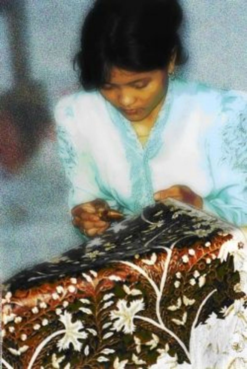 How To: DIY Batik T-Shirt