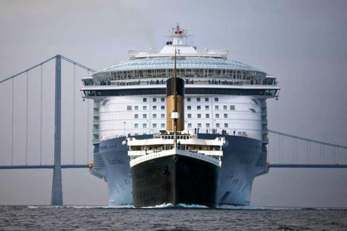 Titanic and Oasis of the Seas. Big difference, huh?