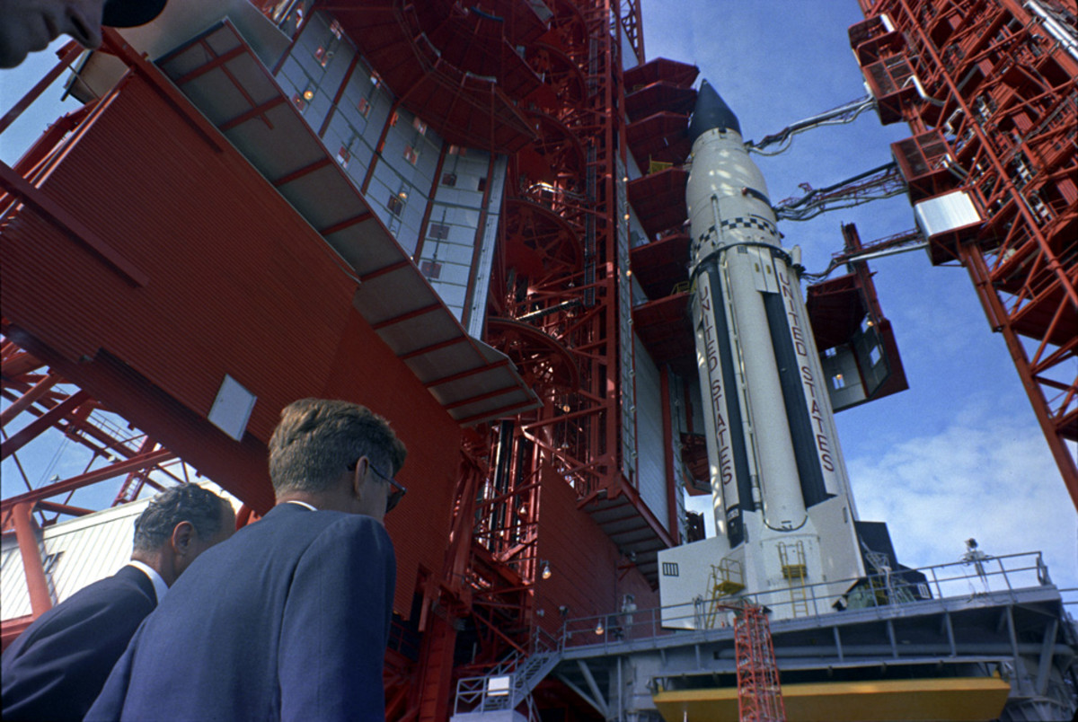 The appearance is elegant even though form followed function. The Saturn 1 is just magnificent to behold, we can relate even now so many years later. JFK indeed knew beauty when he saw it!
