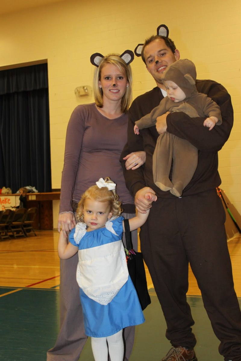 sc 1 st  HubPages & Goldilocks and The Three Bears Costumes | HubPages