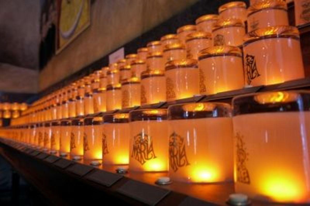 Votive Lights - National Shrine of Our Lady of Czestochowa, Doylestown, PA  (Sheena 2.0 via Flickr)