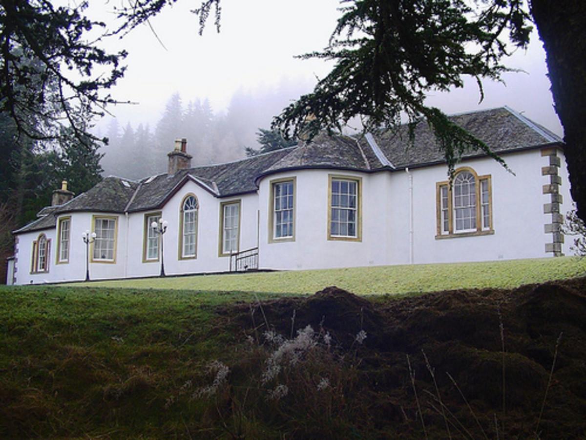 Boleskine House at Loch Ness
