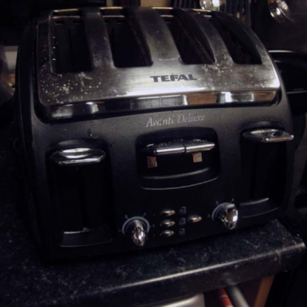 Toaster Review and Tips on Other Ways to Toast Your Bread