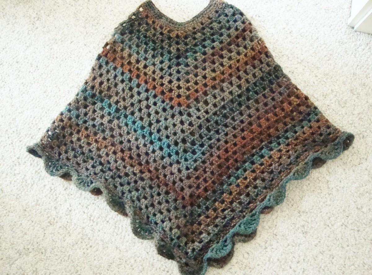 Learn How to Crochet this Beautiful Crocheted Poncho