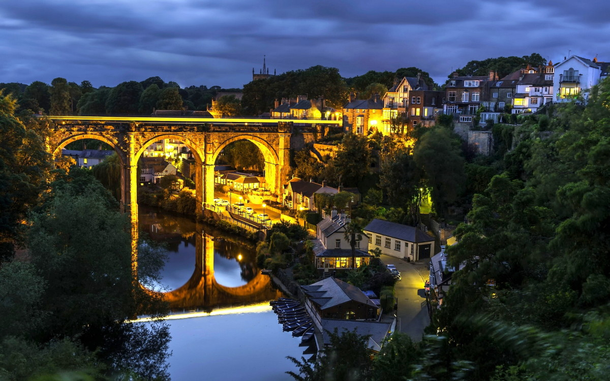 Knaresborough Viaduct in the evening - the old Low Bridge is beyond, below the castle