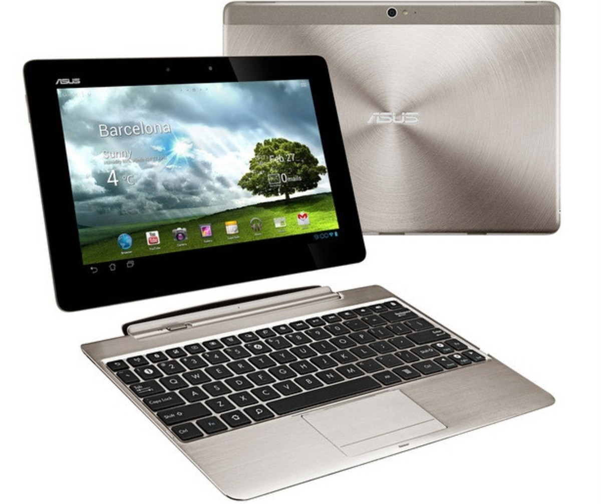 Asus Transformer Pad Infinity TF700 with a keyboard dock (purchased separately)