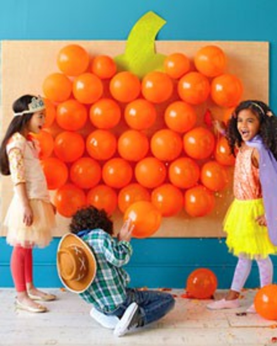 Pumpkin Balloon Game