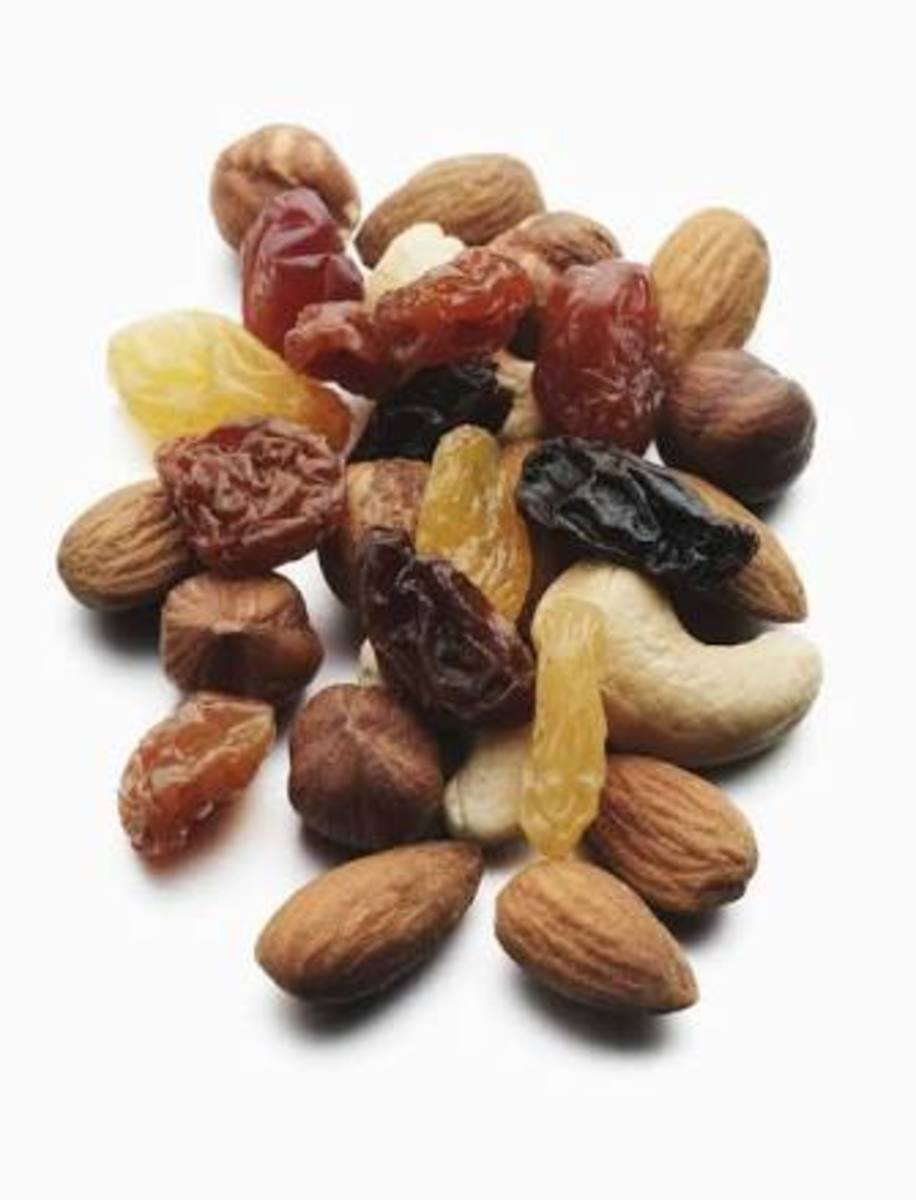 Nuts are excellent to treat anemia