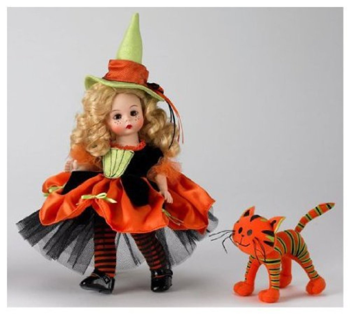 Madame Alexander Witch Set - Lime Green Witch Hat Lime Green Dress with Orange and Black - Includes Orange Cat
