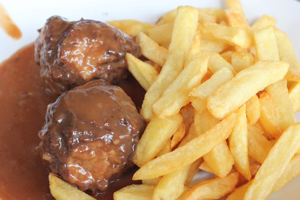 Simply perfect meatballs at Café Lequet in Liège