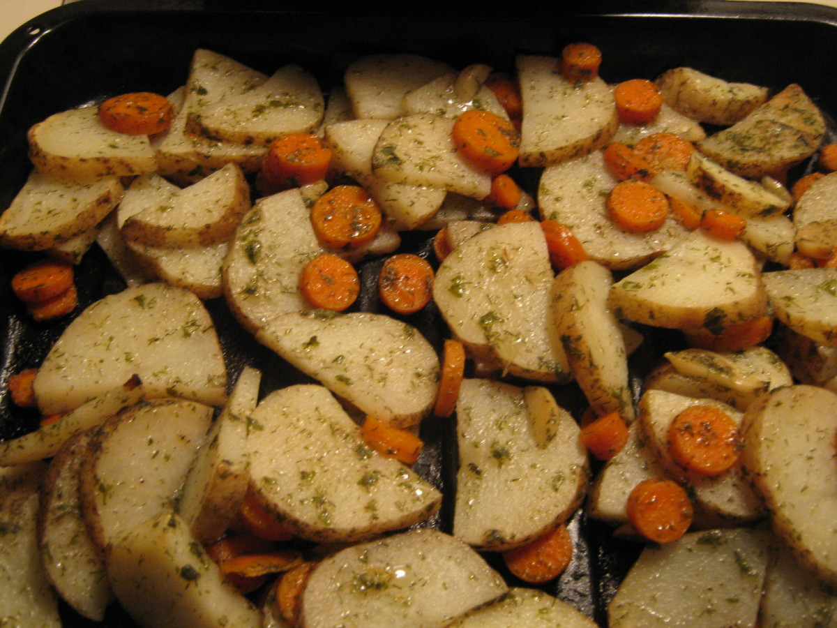 Oven Roasted Potatoes and Carrots with Garlic and Herbs. Side Dish Ideas.
