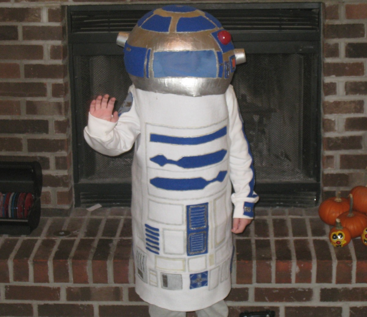 How to make a Star Wars R2D2 Costume