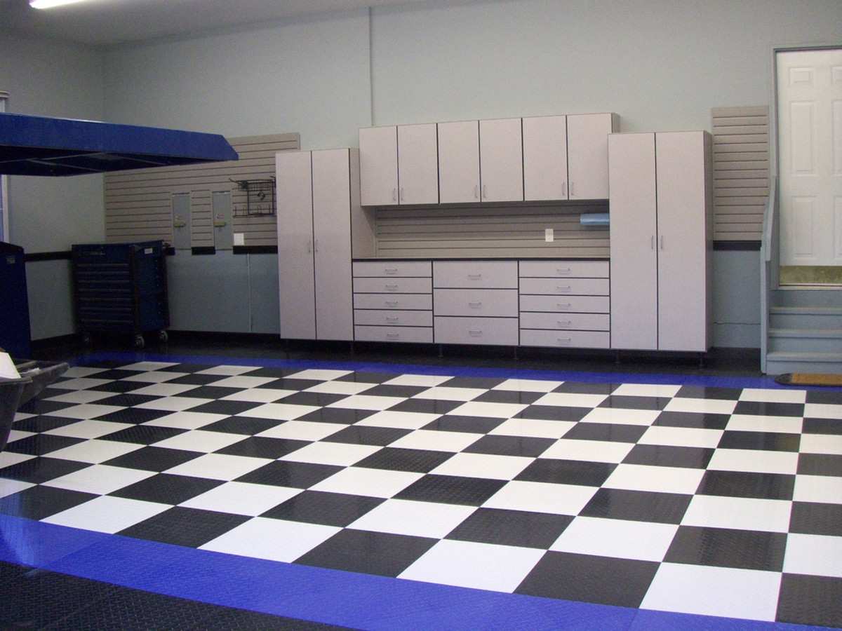 interlocking garage floor tiles a tale of two tiles hubpages. Black Bedroom Furniture Sets. Home Design Ideas