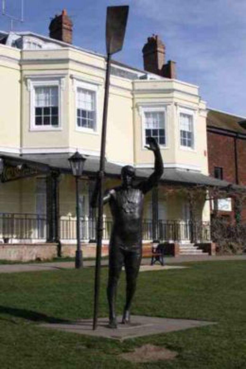 Steve Redgrave Statue Marlow Bucks