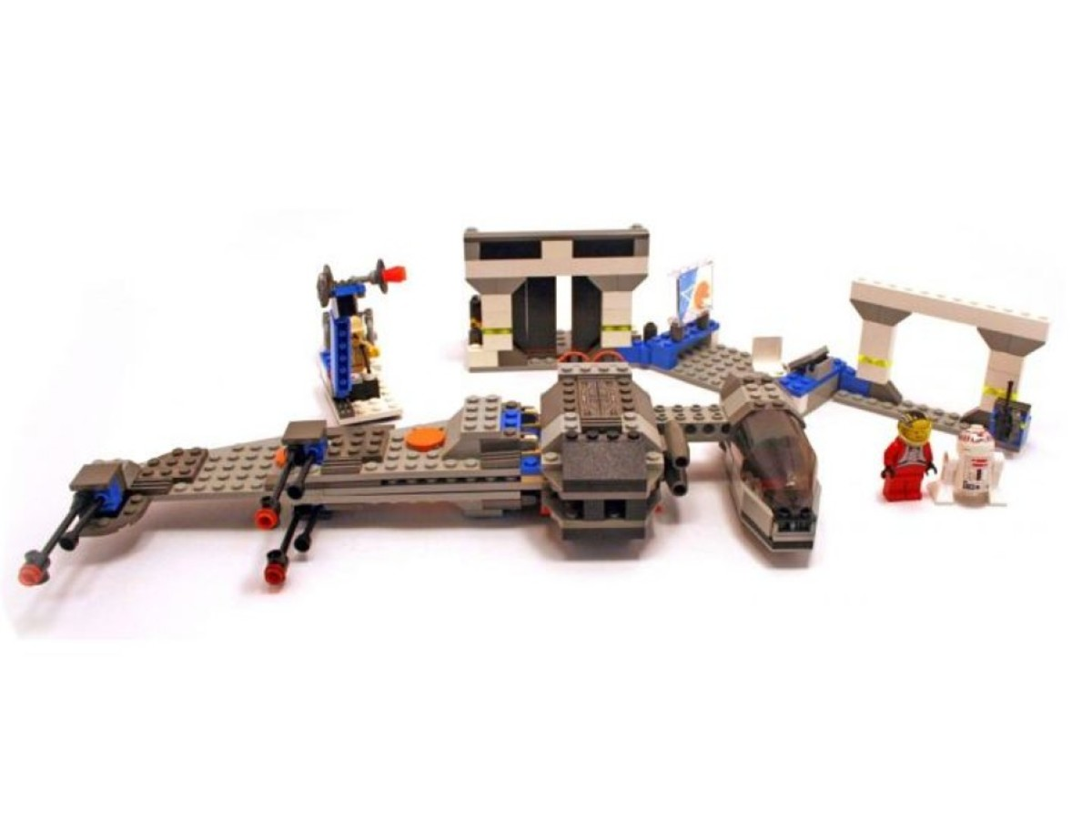 Lego Star Wars B-Wing at Rebel Control Center 7180 Assembled