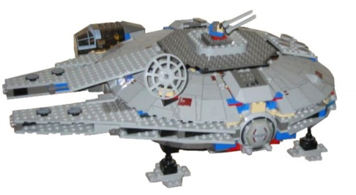 Lego Star Wars Millennium Falcon 7190 Assembled