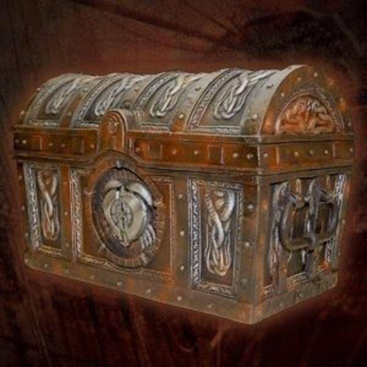 Small Treasure Chest Toy Box