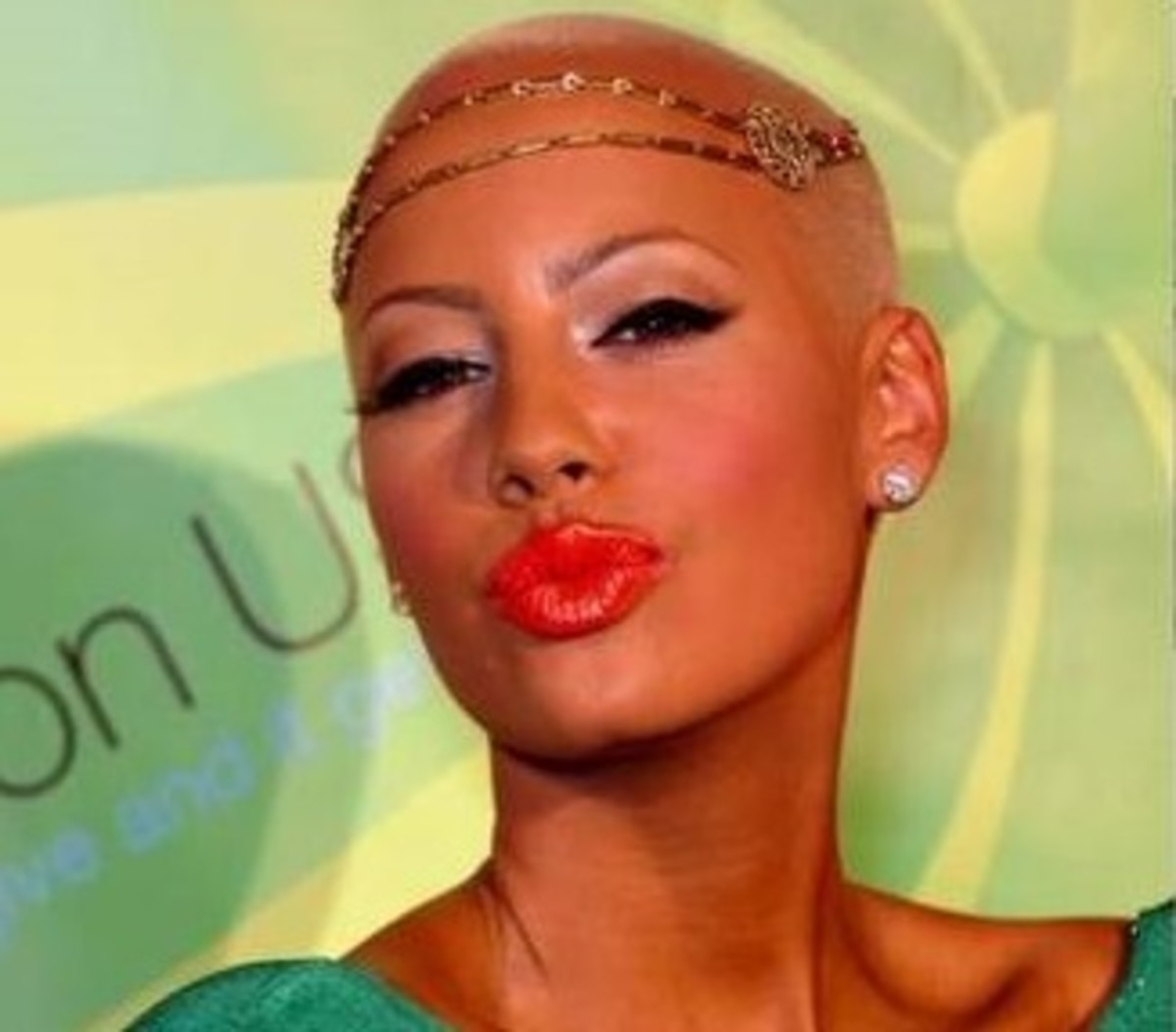 Amber Rose puckering up for a kiss