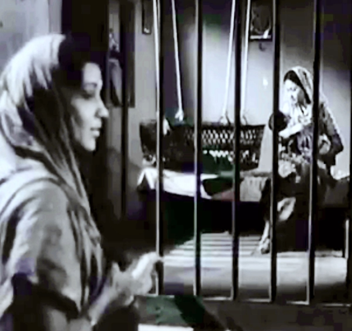 A great Lullaby - from one of the best movies of Bollywood.