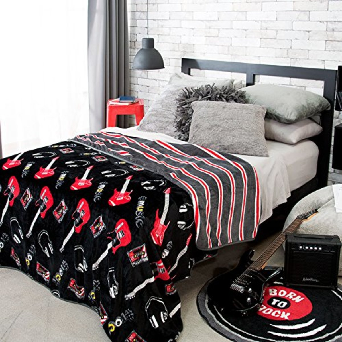 rock-n-roll-guitar-bedroom-decor-ideas