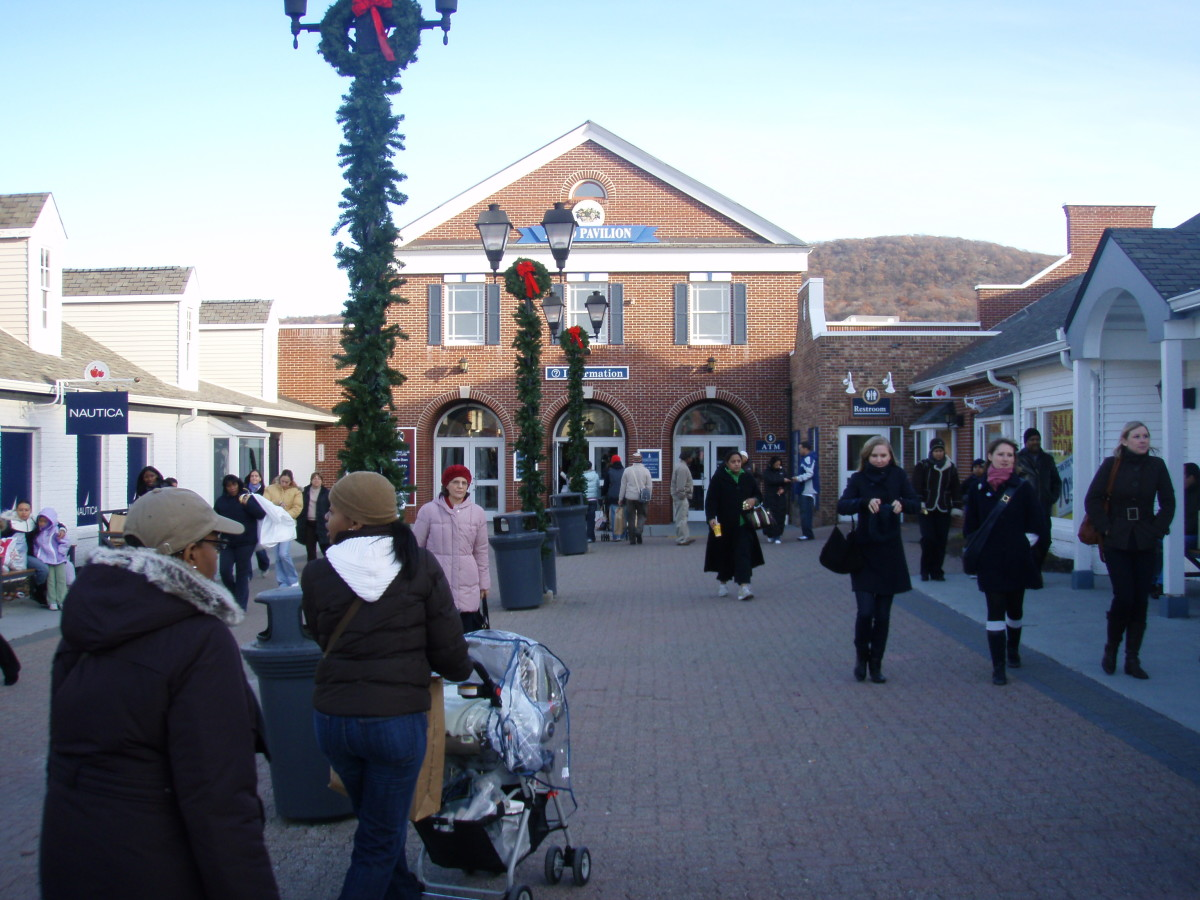 Woodbury Common is well known as a must visit Outlet shopping destination when visiting New York.