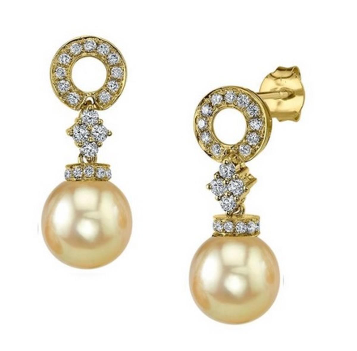 Pearl earrings like royalty would wear