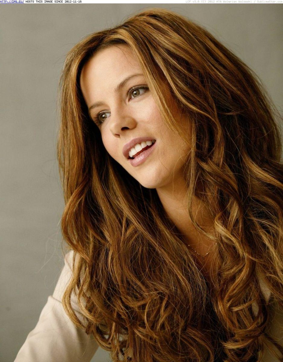 Medium Golden Brown Hair With Blonde Highlights