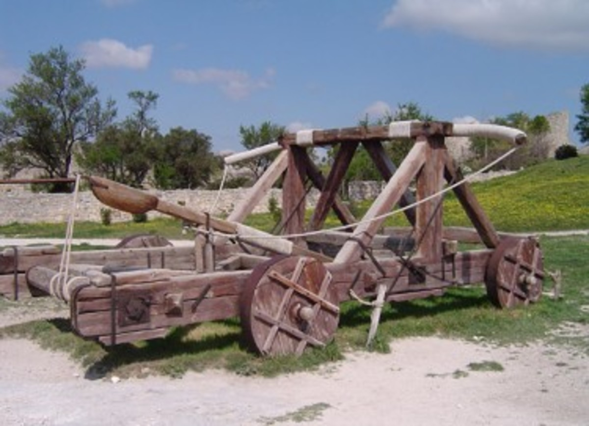 roman-weaponry-ancient-artillery-siege-weapons-catapults-balistas-siege-towers