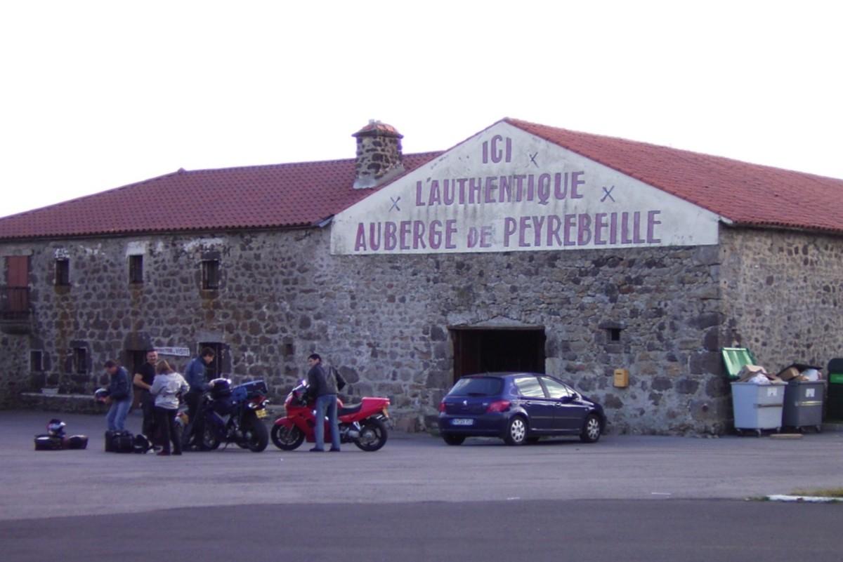 L'Auberge Rouge.  The Red Inn.