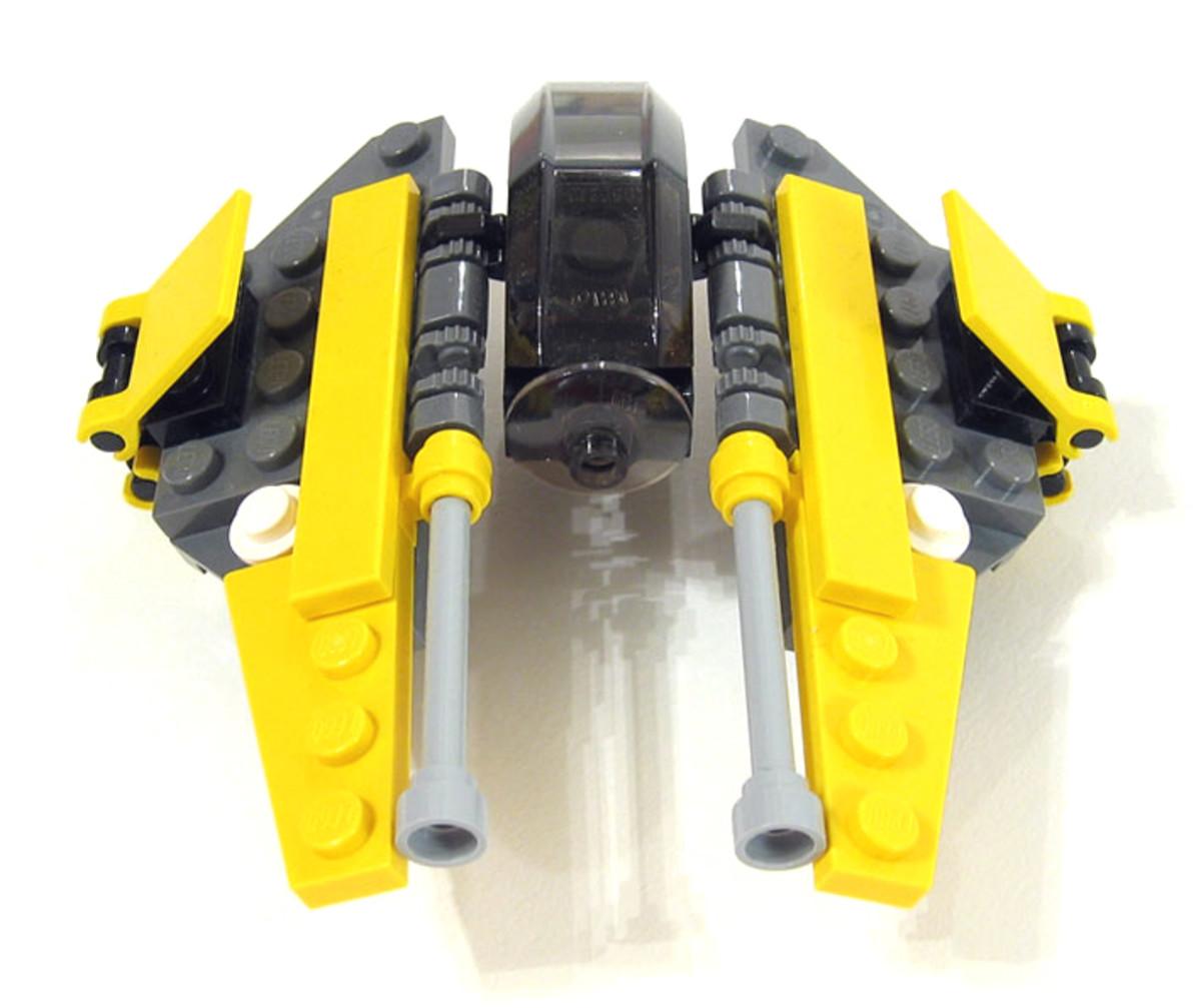 LEGO Star Wars Jedi Starfighter 6966 Assembled