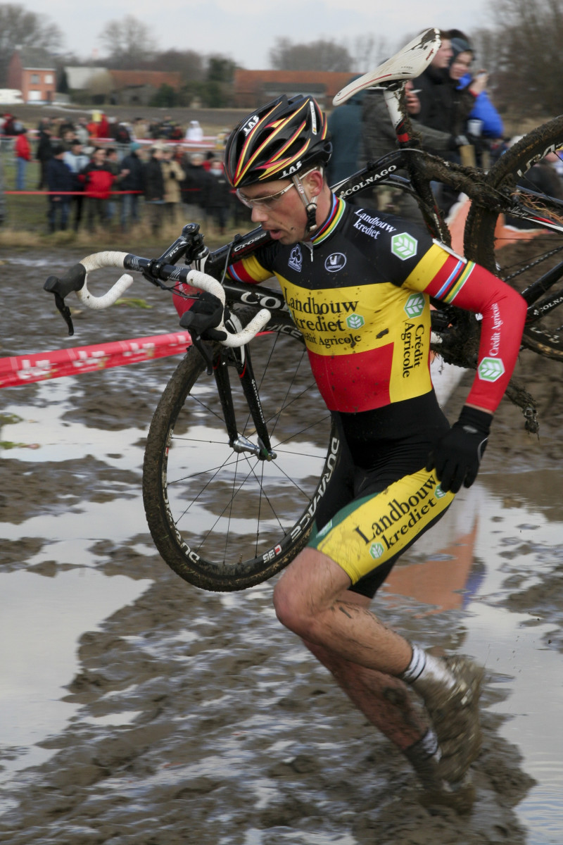 Sometimes you need to run with the bike like Sven Nys (pictured) and your cx shoes need to provide grip, as well as comfort for running.