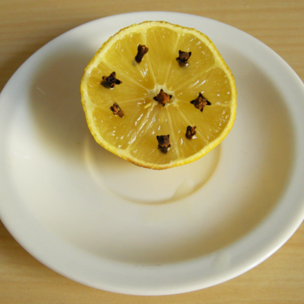 Lemon and cloves to repel flies