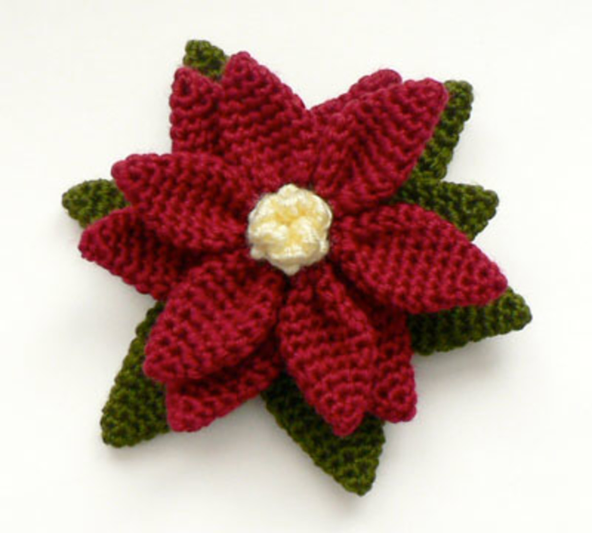 Embellish a Christmas stocking or a crochet beautiful garland to decorate the tree or a mantle