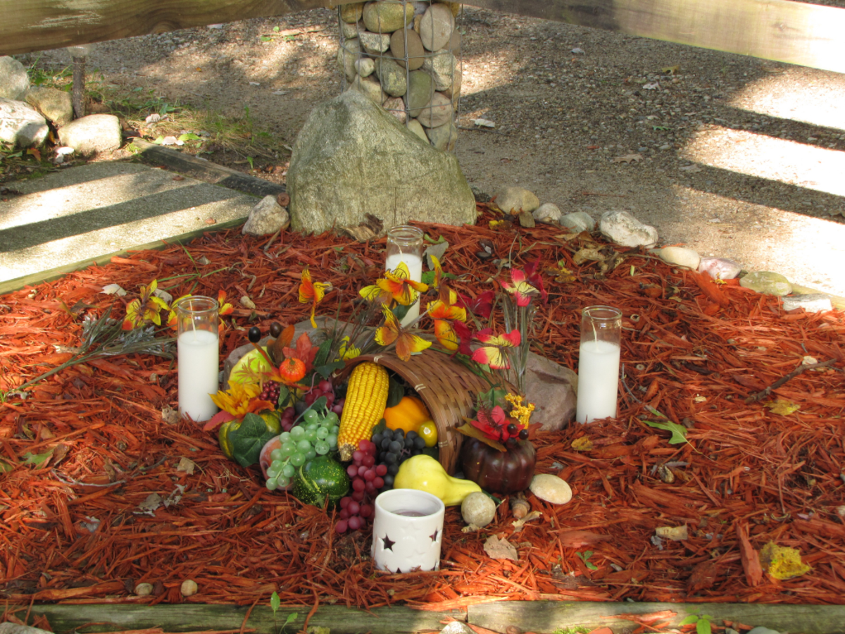 Outdoor altar for Mabon