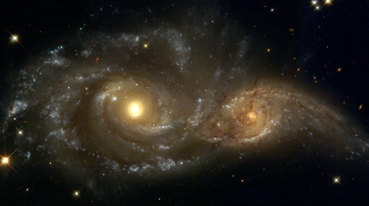 Colliding Galaxies, NGC 2207 and IC 2163