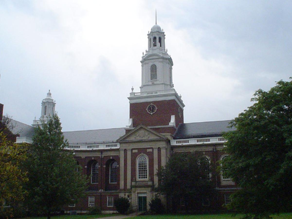 "Newton City Hall, Newton, MS, the setting of the novel, ""Defending Jacob."""