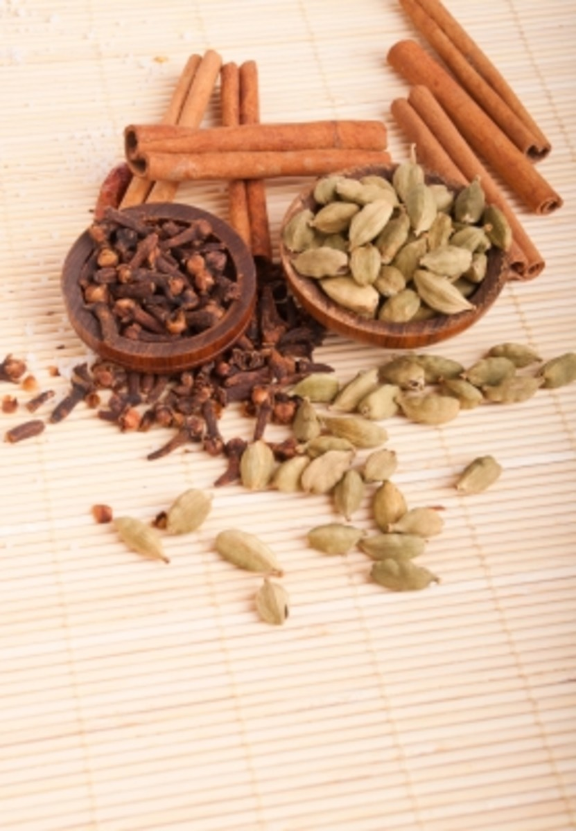 cloves, cinnamon and cardamom are all beneficial natural ingredients to use in mouthwash recipes.