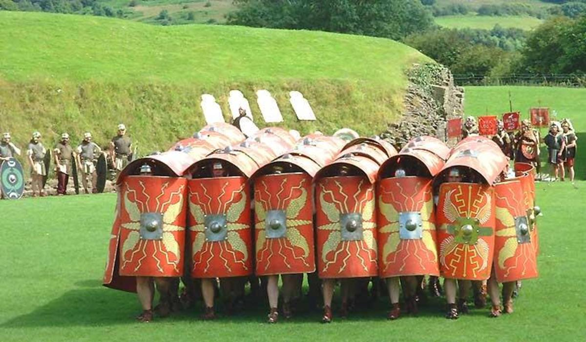 A phalanx of Roman soldiers looking like a clenched fist!