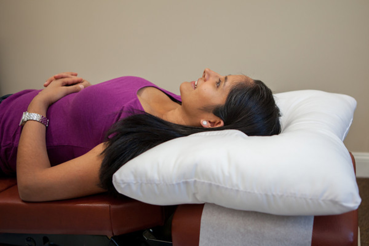 Sleeping on your back on the arc4life traction pillow offers you the greatest therapeutic benefit.