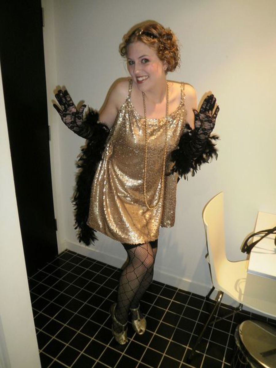 Diy flapper girl costume 1920s great gatsby dresses accessories i like the black and gold color combo used here and the dress was homemade solutioingenieria Gallery